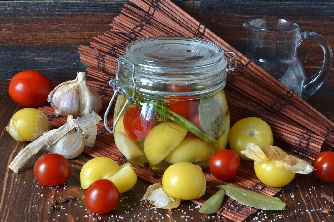 Овощное ассорти на зиму с физалисом, перцем и томатами