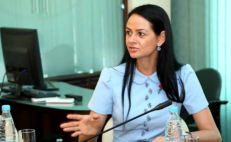 «Мы не просили вас рожать»: чиновница уволена за свой длинный язык