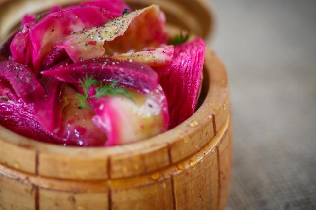 Отступить от традиций: 10 нетривиальных рецептов заготовки капусты на зиму
