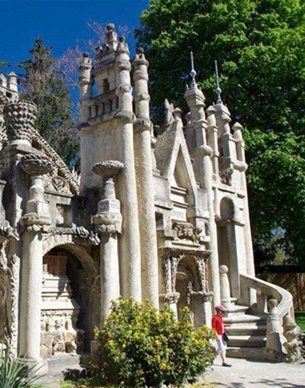 Идеальный дворец, который построил почтальон