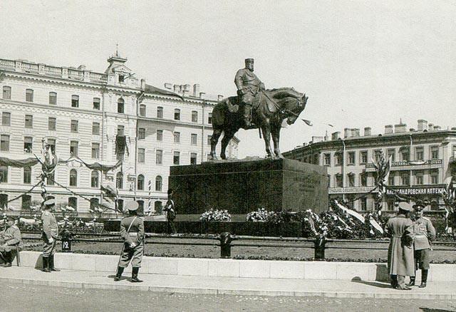 В честь императора Александра III в Российской империи было установлено около сорока памятников история, факты