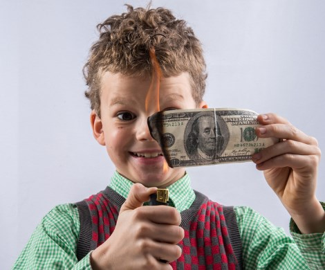 Налог для несовершеннолетних: в Госдуме хотят собирать деньги со школьников?