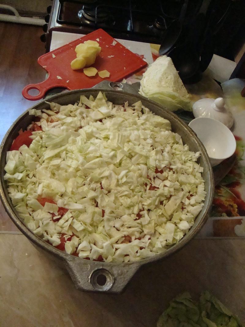 капусту просто нашинковал еда, своими руками