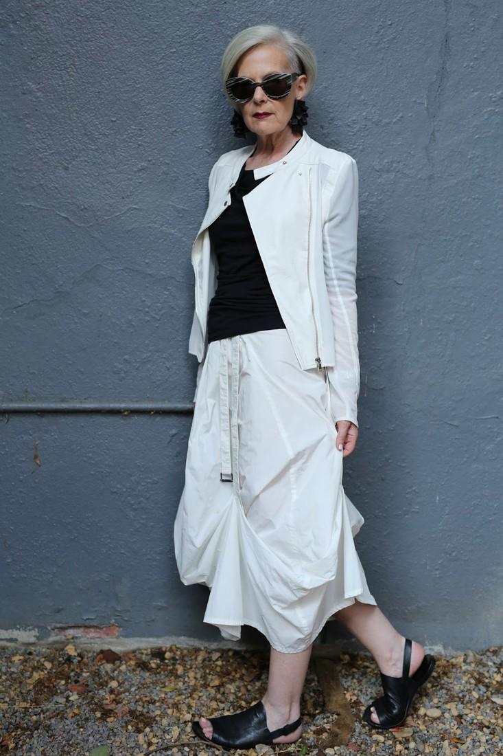 Мода для женщин элегантного возраста 22 фотография