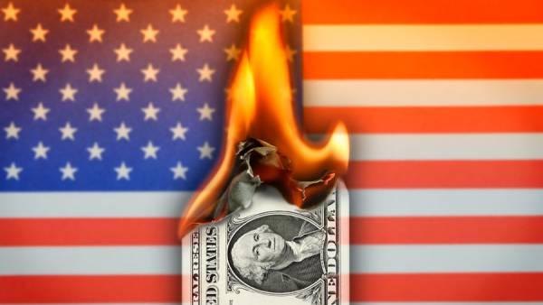 Россия отказывается от доллара в расчетах международной торговли