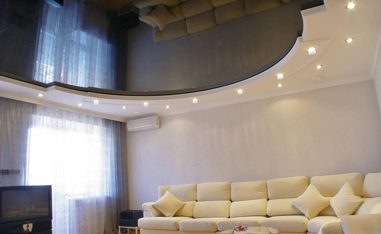 Двухуровневый потолок в гостиной фото