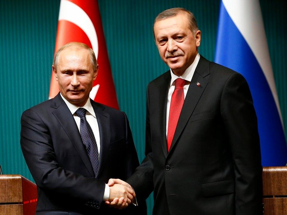 Эрдоган считает себя и Путин…