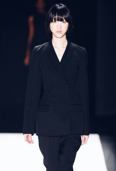 Black Black Black: Vera Wang осень-зима 2016