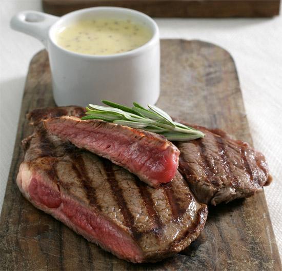 5 вкуснейших классических соусов к стейку: готовим и едим