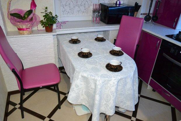 Моя долгожданная кухня -- яркий цвета и нетривиальная эргономика на просторах хрущевки