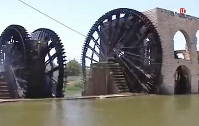 В сирийском Хаме восстанавливают древние водяные колеса