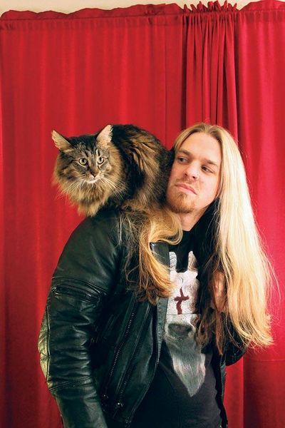 Металлисты и их коты