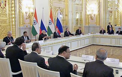 Россия и Индия облегчат визовый режим для бизнесменов