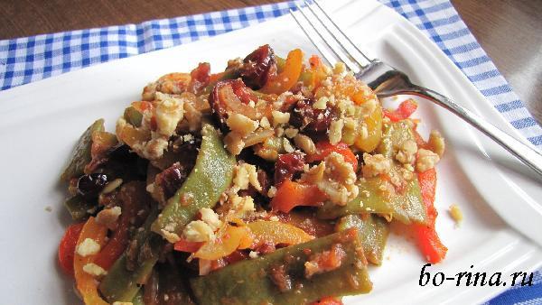 Вкусно и красиво! Зелёное лобио (стручковая фасоль) с томатами и орехами