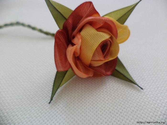 Миниатюрные цветы из ленточек. Мастер-классы (44) (700x525, 191Kb)