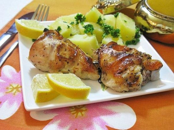 Курица, запеченная с лимоном и медом