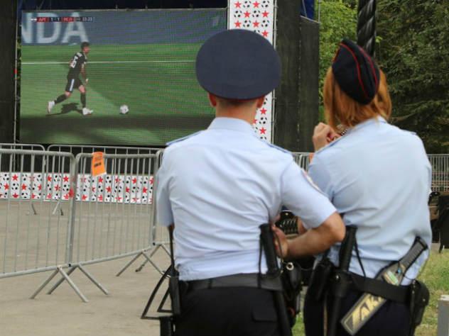 Полицейские Южной Кореи и Швеции получили благодарность от коллег из Нижнего Новгорода