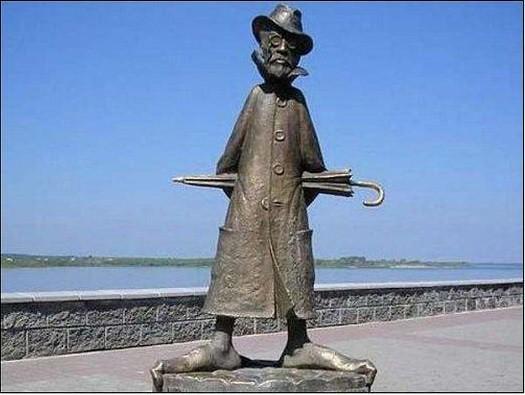 Памятник Чехову. Томск Прикольные памятники, факты