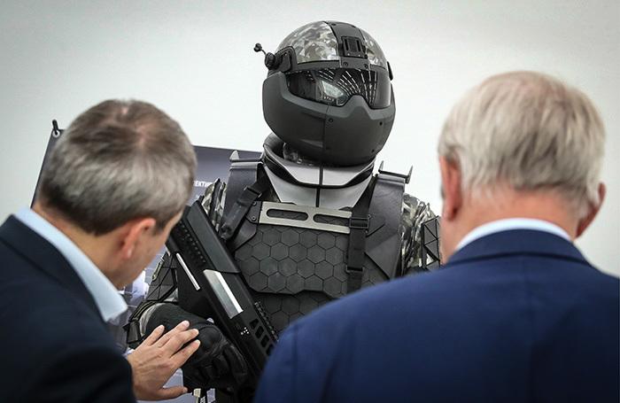Зачем прокурорам бронежилеты, шлемы и газовые баллончики?