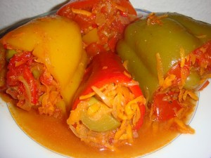 Болгарский перец фаршированный овощами на зиму