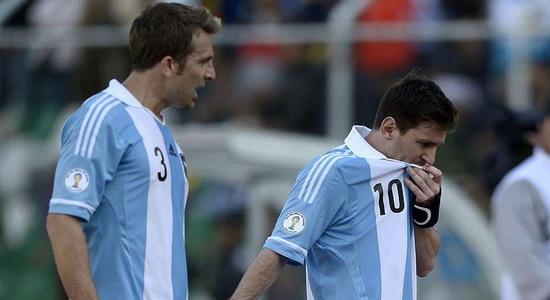 Месси стошнило в перерыве матча с Боливией