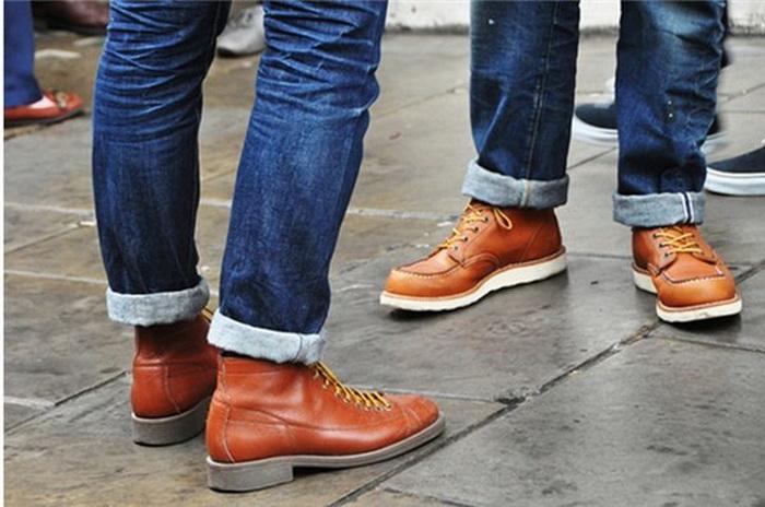 Как сделать стильные отвороты на штанах.