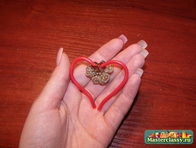 Магнит сердце из фиалок из бисера