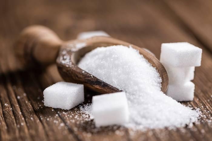 Приметы: К чему рассыпать сахар. Что это означает?