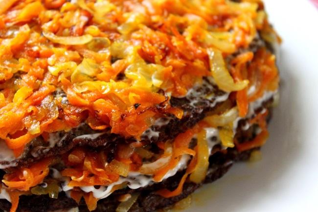 Закуски высшего уровня: 3 рецепта несладких тортов