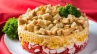 Вкуснейший салат «Коррида» с крабовыми палочками и сухариками