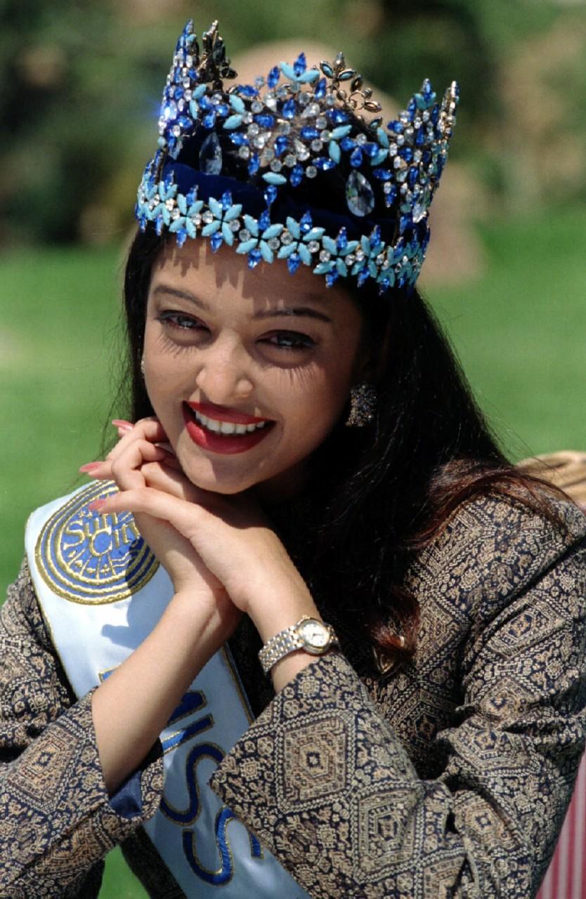 """Айшвария Рай на конкурсе  """"Мисс мира-1994""""."""