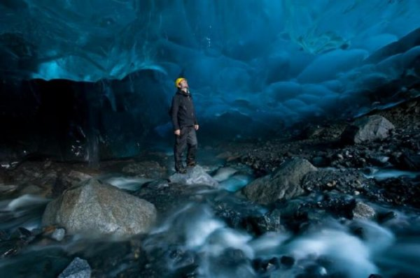 Пещеры из льда (25 фото)