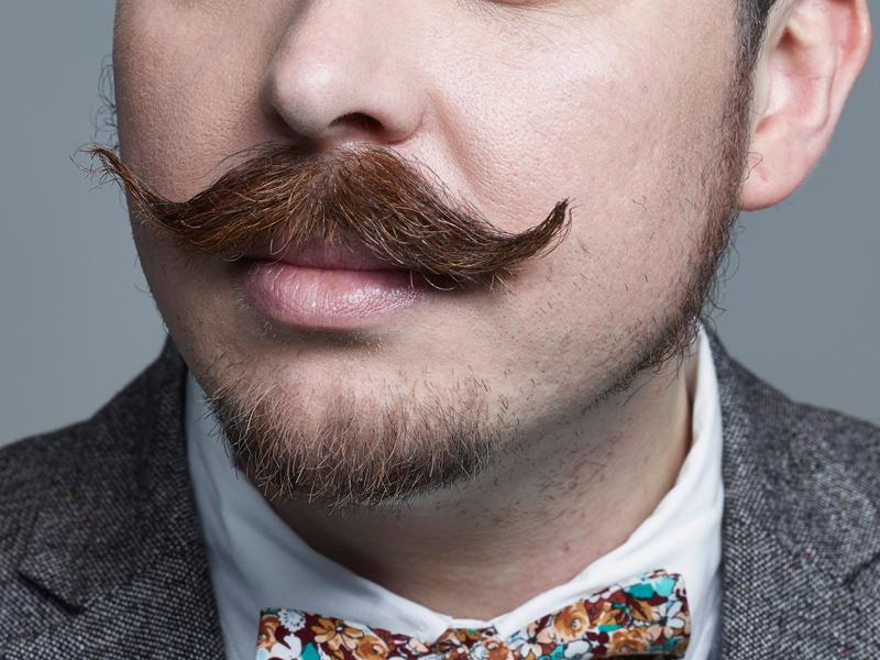 Как сделать модные усы
