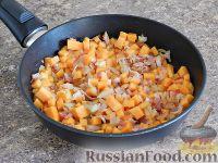 Фото приготовления рецепта: Спагетти в тыквенном соусе с беконом - шаг №9