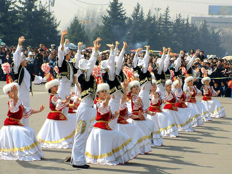 Корису айт,  казахский праздник взаимного уважения.