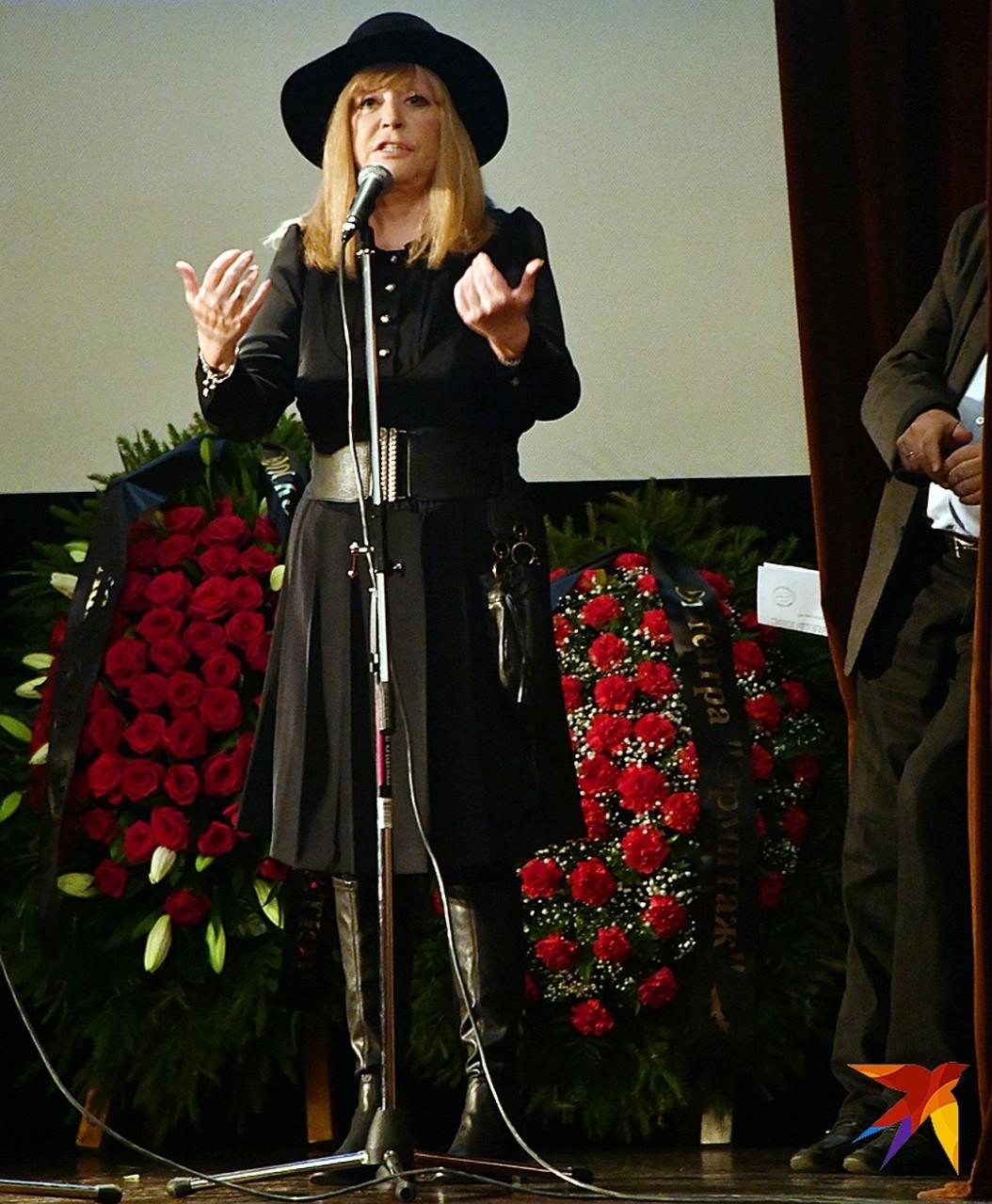Утром слезы, а вечером веселье: после похорон близкого друга Алла Пугачева отлично провела время на празднике
