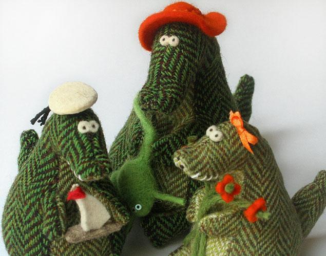 крокодил с семьей