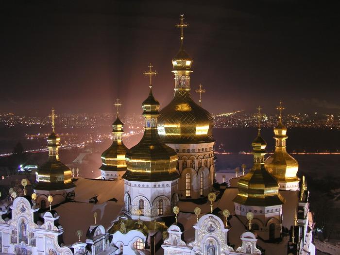 В Киеве требуют отнять древнейший русский монастырь — Киево-Печерскую лавру у УПЦ Московского патриархата