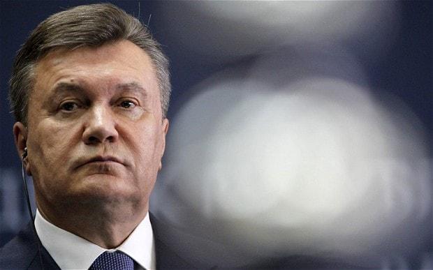 Обездвиженный Виктор Янукови…