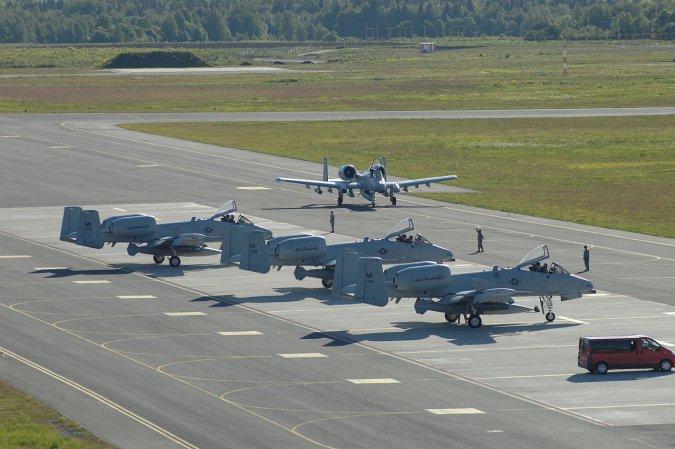 Авиабазу Эмари в Эстонии рас…