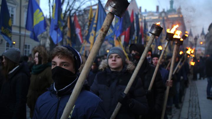 Укрюганд: В Киеве объявили набор в детскую школу «уничтожения России»