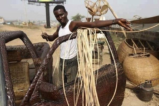 40-летний нигериец связал себе машину