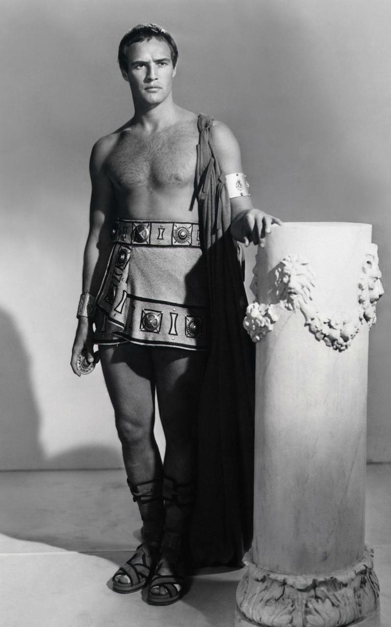 Марлон Брандо в образе Марка Антония