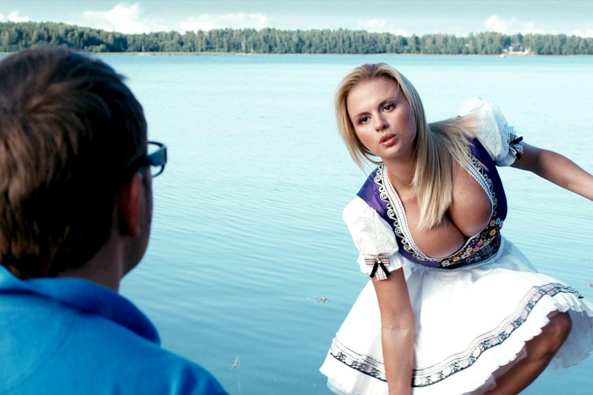 Жена дает в груди