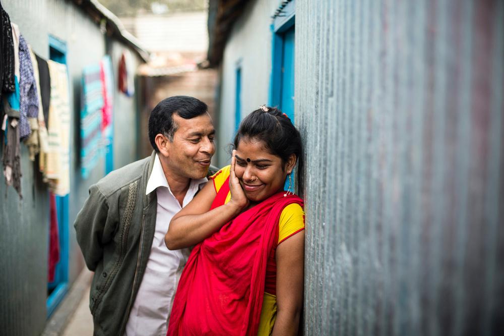 Как живут и работают проститутки в 200-летнем борделе Бангладеш