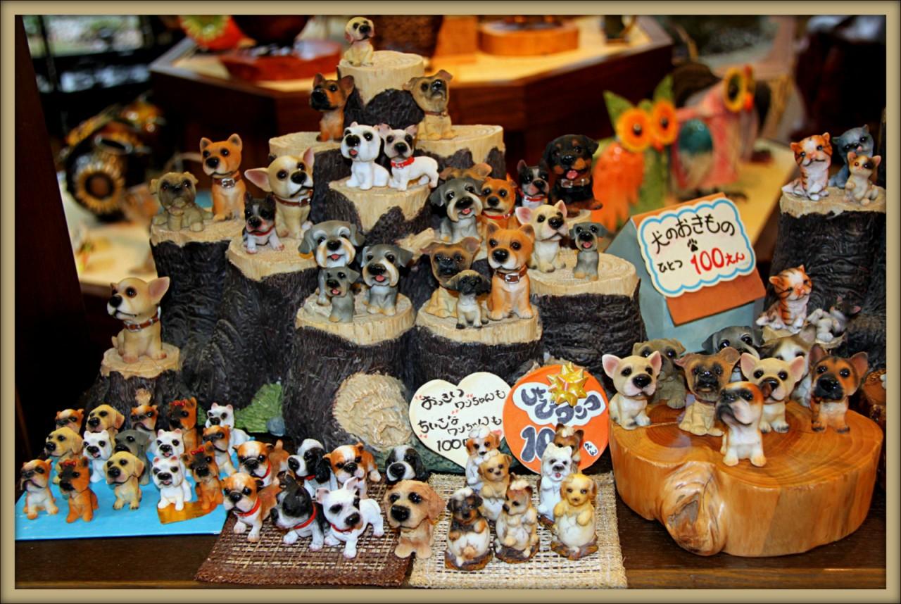 Сувенирный магазинчик в японском городе Такаяма