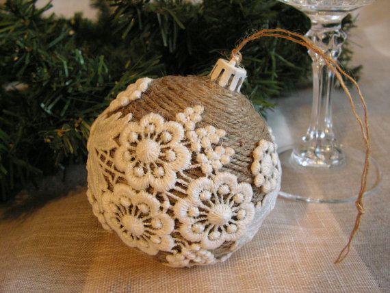 Новогодний шар из шпагата