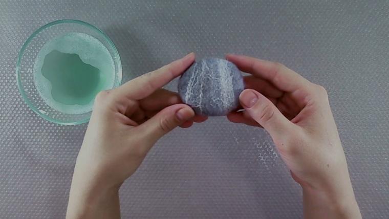 Мастер-класс по изготовлению войлочных камешков