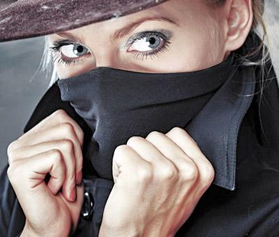Зачем агенты спецслужб устраивают тайные маскарады