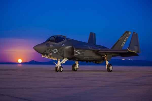 Вопрос: Как «приземлить» весь флот истребителей F-35?